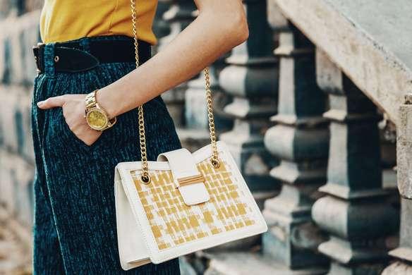 Lassen Sie IHre Handtasche erneuern, damit Sie wieder voller Glanz erstrahlt.